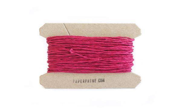 Pinkes Geschenkband aus Papier