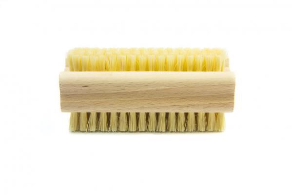 Nagelbürste aus Holz und Naturfasern