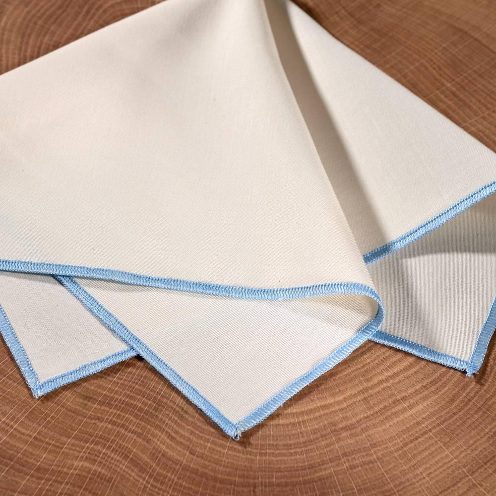 Weißes Stofftaschentuch mit blauem Saum