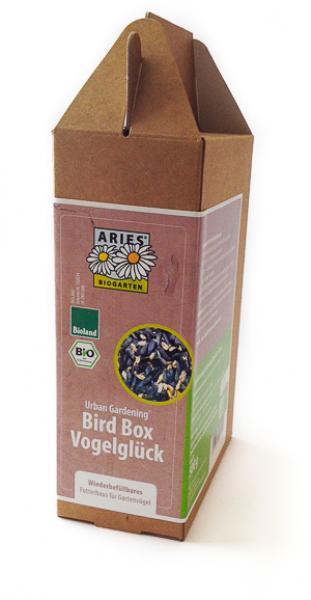 Vogelfutter im Pappkarton
