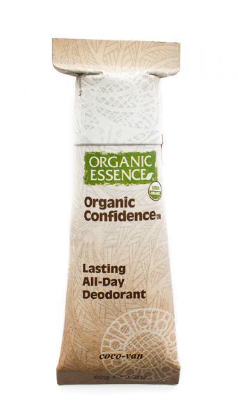 Ein Deo von Organic Essence in der Papierhülle
