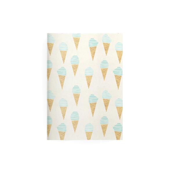Kleines Notizbuch mit Eiswaffeln